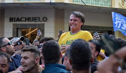 A tres semanas de las elecciones en Brasil, Bolsonaro ...